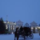 Катание зимой на русских тройках на территории Казанской кремля.