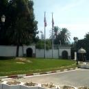 Вид на территорию Президентского дворца в Тунисе.