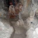 Скульптурные композиции в Медвежьей пещере, Сафари-парк, Геленджик.