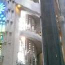 Лестница в церкви Sagrada Familia, Барселона.