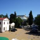 Площадь перед морским вокзалом Сочи.