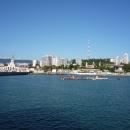 Вид на морской вокзал Сочи с борта катамарана «Дагомыс».