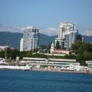Сочинский маяк c теплохода в Черном море.