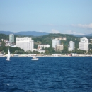 Вид на курорт Сочи с катамарана Дагомыс. Морская экскурсия.