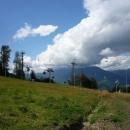 Трассы горнолыжного курорта Роза Хутор летом.