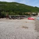 Песчано-галечный Славянский пляж в Будве.
