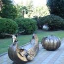 Композиция «Скамья тыква» у Художественного музея Сочи.
