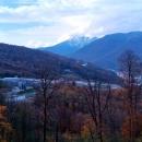 Вид на горнолыжный курорт Сочи в ноябре.