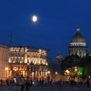 Исаакиевский собор в Санкт-Петербурге ночью.