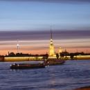Петропавловская крепость в Санкт-Петербурге ночью.
