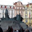 Памятник Яну Гусу на Староместской площади в Праге. Чехия.