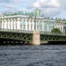 Вид на Зимний дворец с акватории Невы. Санкт-Петербург.