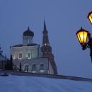 Казанский кремль зимой. Башня Сююмбике и Дворцовая церковь.