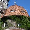 Символ Светлогорска - корпус военного санатория и башня с часами.