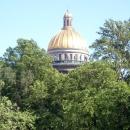 Вид на купол Исаакиевского собора. Санкт-Петербург.