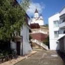 Церковь Св. Николая Чудотворца между корпусами базы отдыха «Торнадо».