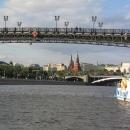 Достопримечательности Москвы с прогулки на катере по Москва-реке.