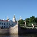 Вид на Никольский Морской Собор с прогулочного катера. Санкт-Петербург.