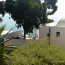 Вид на яхт-марину курорта Сиди-Бу-Саид в Тунисе.
