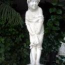 Скульптура «Девочка» в Зимнем саду Воронцовского дворца.