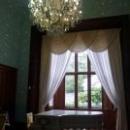 Белый рояль в голубой гостиной Воронцовского дворца.