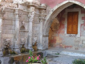 Фонтан в г. Ретимнон на острове Крит