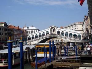 Ponte di Rialro Мост Риальто в Венеции.