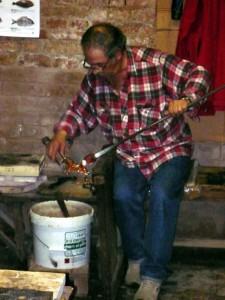 Мастерская в Венеции, где показывают процесс изготовления фигурок из муранского стекла.
