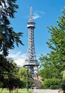 Петршинская Башня в Праге копия Эйфелевой башни