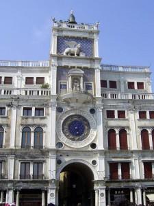Часовая башня на площади Святого Марка в Венеции