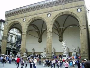 Лоджия Ланци на площади Синьории во Флоренции