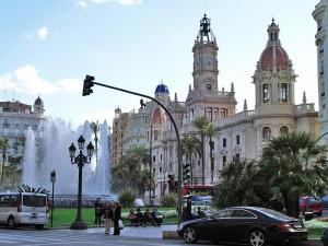 Площадь Аюнтамьенто в Валенсии