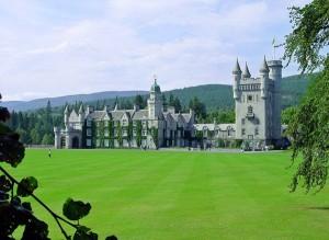 Замок Балморал в Шотландии