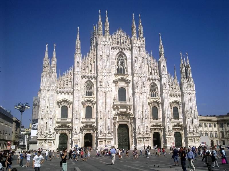 Собор Санта-Мария-Нашенте (Дуомо) в Милане
