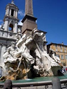 «Фонтан Четырех Рек» на площади Навана в Риме.