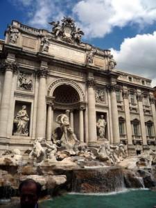 Фонтан Треви - главный фонтан в Риме.