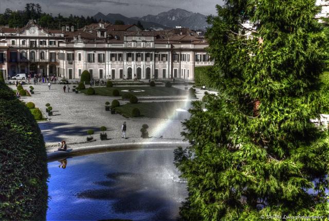 Palazzo Estense. Парк и дворец Эстенсе в центре Варезе.