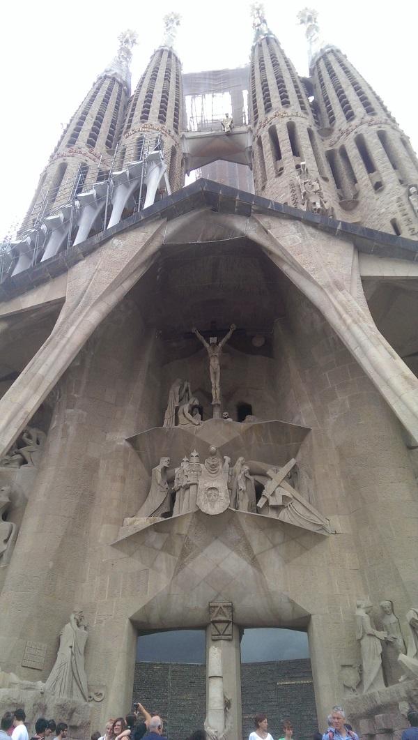 Фасад Страстей Господних (Sagrada Familia), Барселона.
