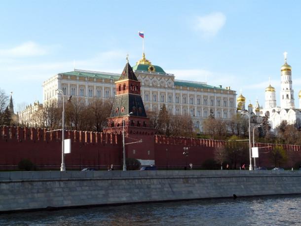 Большой Кремлевский дворец, Благовещенский собор, Архангельский собор на территории Московского Кремля.