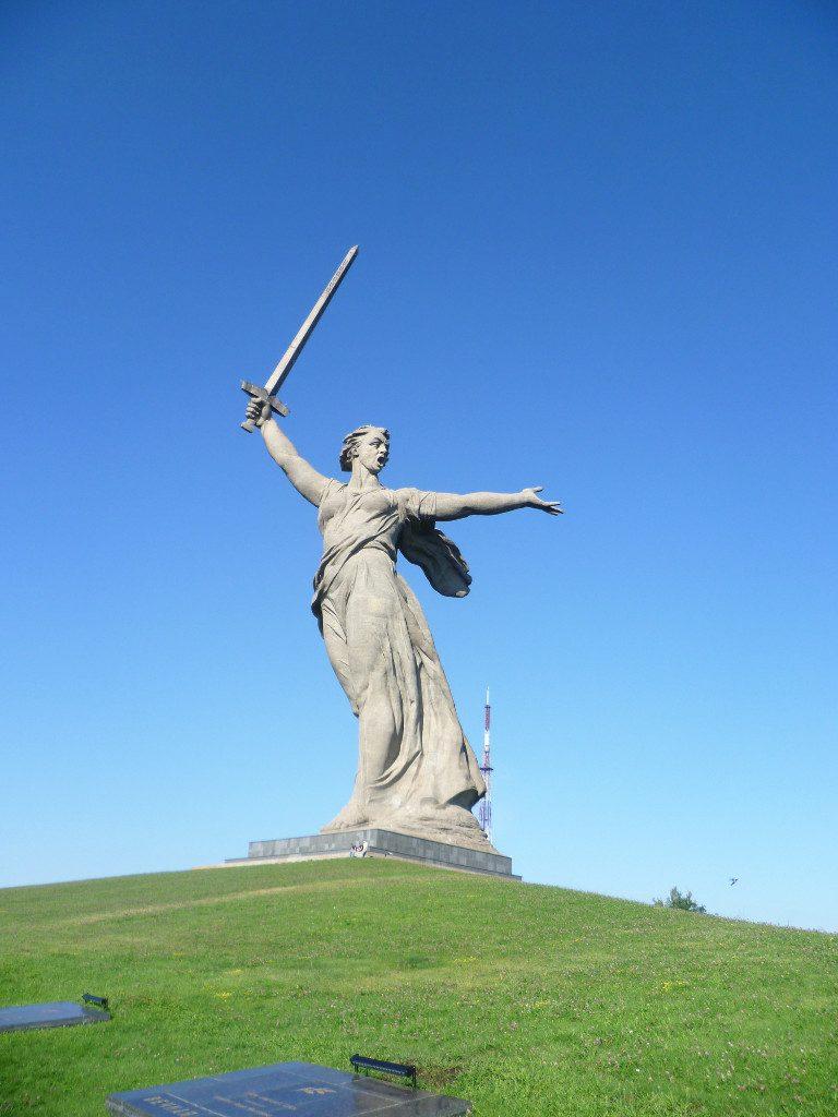 Скульптура «Родина-Мать зовет!» в Волгограде.